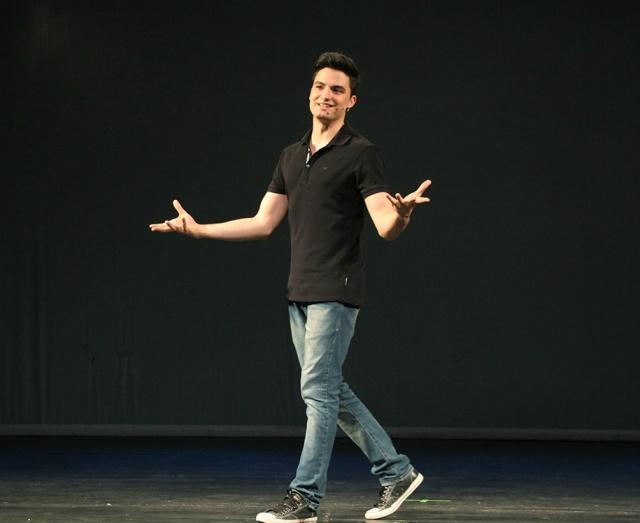 Felipe Neto, em sua peça. Foto: Divulgação -