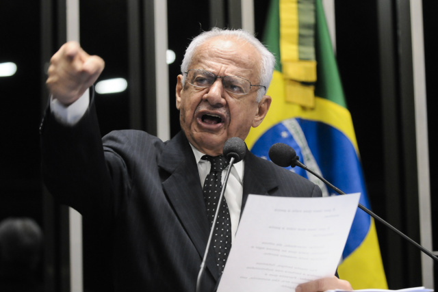 """Ex-senador Pedro Simon  vai proferir palestra hoje em Dourados com o tema """"Ética na Política e o Momento Brasileiro"""" - Crédito: Foto: Divulgação"""