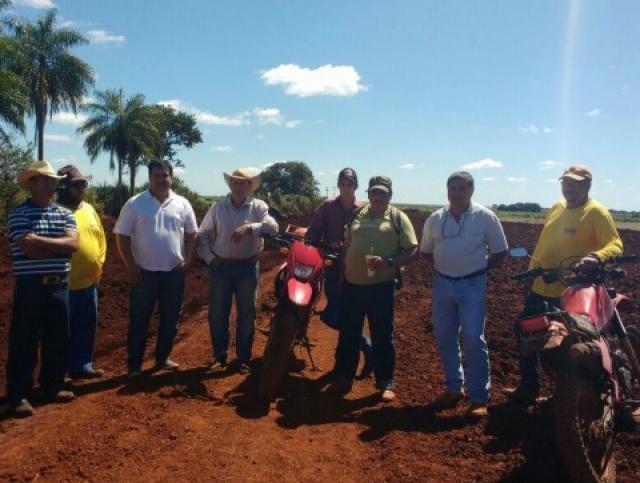 Madson inspeciona serviço realizado nas estradas rurais do Município. Foto: Divulgação -