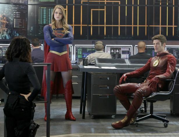"""Supergirl e Flash se encontram em episódio de """"Supergirl"""" Foto: Divulgação -"""