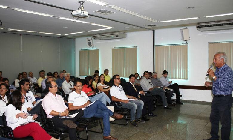 Alfredo Zamlutti discursa ao público presente. - Crédito: Foto: Divulgação