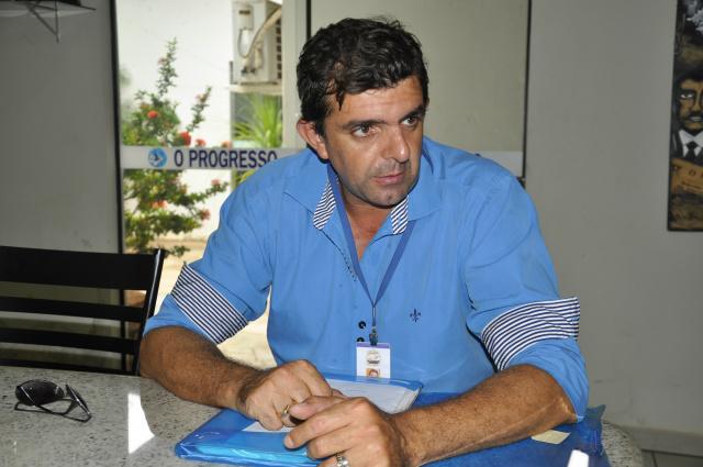 Flávio Roberto da Silva é um dos voluntários da entidade. - Crédito: Foto: Hedio Fazan