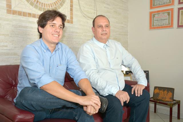 Empresários do setor educacional em visita à direção deste Jornal. - Crédito: Foto: Marcos Ribeiro