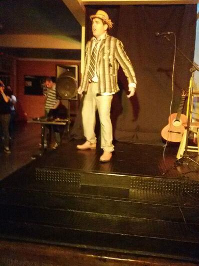 Ator e diretor de teatro, Augusto Palermo, durante apresentação na UEMS de Ponta Porã - Crédito: Foto: Divulgação
