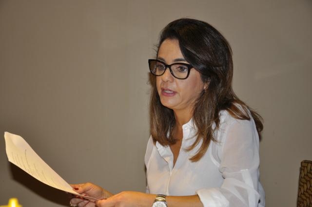 Cláudia Rosa ministrou palestra em Dourados sobre oportunidades de estudos no Canadá. - Crédito: Foto: Hedio Fazan