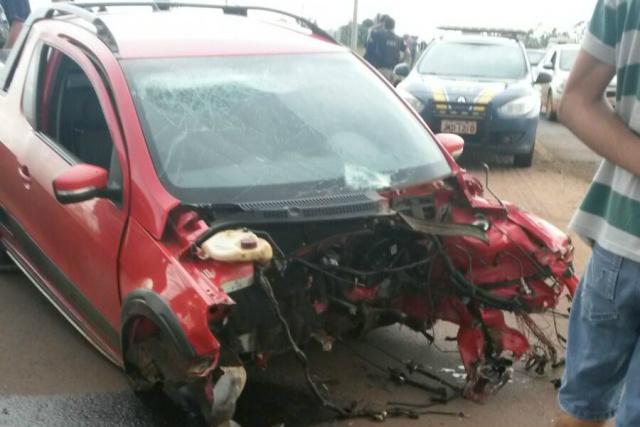 O motorista chegou a ser resgatado pelos Bombeiros ainda com vida, mas chegou morto ao hospital na cidade de Ponta Porã. - Crédito: Foto: Leo Veras/ Poranews