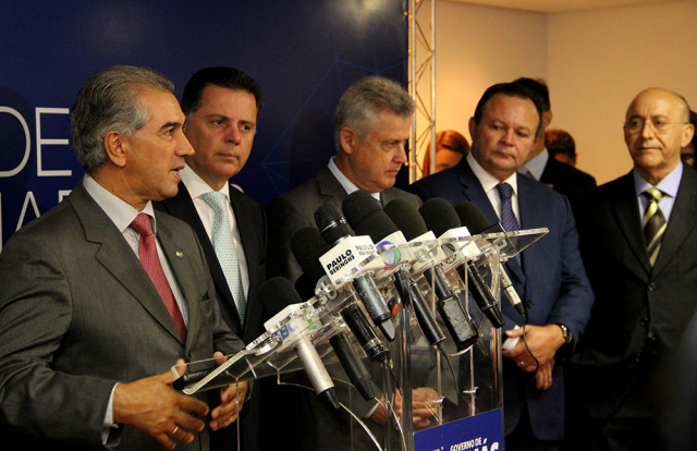 Reinaldo Azambuja durante o Fórum de Governadores. - Crédito: Foto: Chico Ribeiro