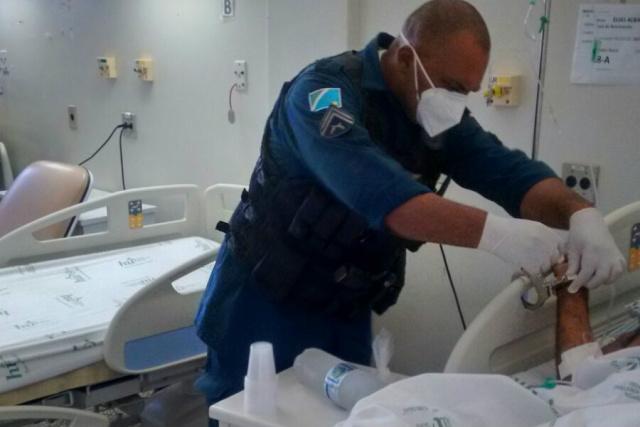 """Viaturas ficam desativadas e mais de 90 policiais permanecem """"presos"""" em enfermarias , mal acomodados , sem descanso e correndo risco de contaminação. - Crédito: Foto: Divulgação"""