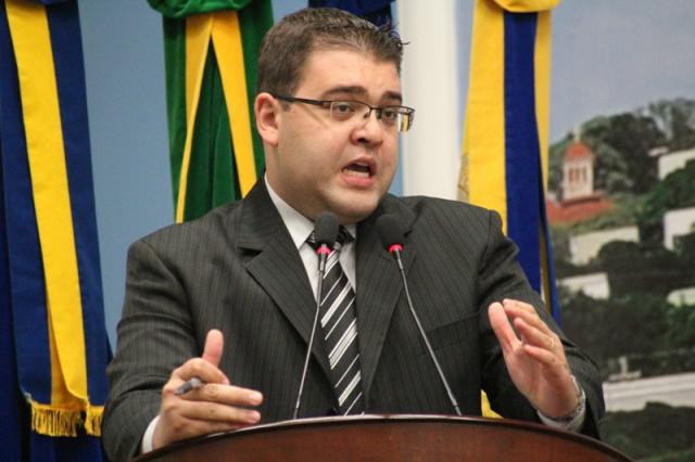 Alan Guedes, presidente da Executiva Municipal do Democratas, destaca importância do partido apresentar a candidatura própria. - Crédito: Foto: Hedio Fazan
