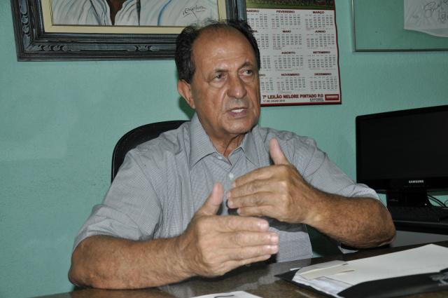 Deputado estadual Zé Teixeira lamenta que servidores da Assembleia estejam sofrendo ataques. - Crédito: Foto: Hédio Fazan