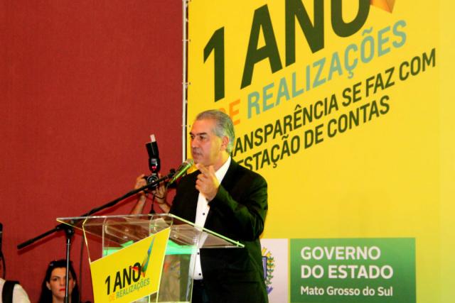 Governador Reinaldo Azambuja durante lançamento de novas  ações governamentais e prestação de contas do primeiro ano de governo. - Crédito: Foto: Elvio Lopes