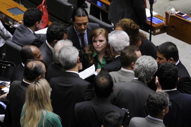 Deputados aprovaram uso da pílula aos pacientes com câncer mesmo antes do parecer da Anvisa. - Crédito: Foto: Luís Macedo/Câmara dos Deputados