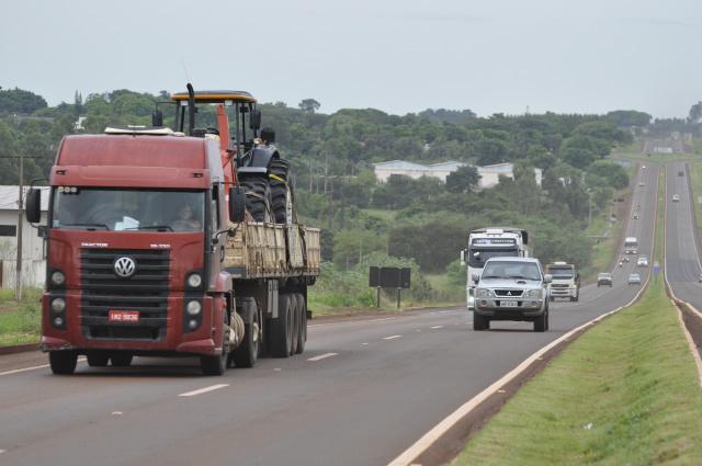 Empresas do transporte rodoviário de cargas e coletivo de passageiros estão livres da exigência. - Crédito: Foto: Hedio Fazan