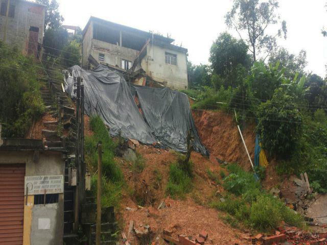 Deslizamentos de terra em Francisco Morato, na região metropolitana de SP,  deixaram 11 mortos. - Crédito: Foto: Paulo Pinto/Fotos Públicas