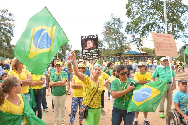 Seguindo o exemplo de várias cidades brasileiras, Dourados também fará manifesto amanhã. - Crédito: Foto: Marcos Ribeiro