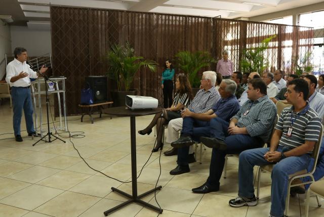 Prefeito Murilo destaca o potencial da indústria de Dourados, que amlia produção e gera empregos. - Crédito: Foto: Divulgação