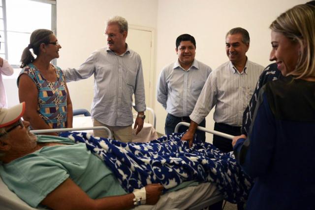 Deputado Gerado Resende e governador Reinaldo Azambuja na Caravana da Saúde que ocorreu em Amambai. - Crédito: Foto: Jessica Barbosa