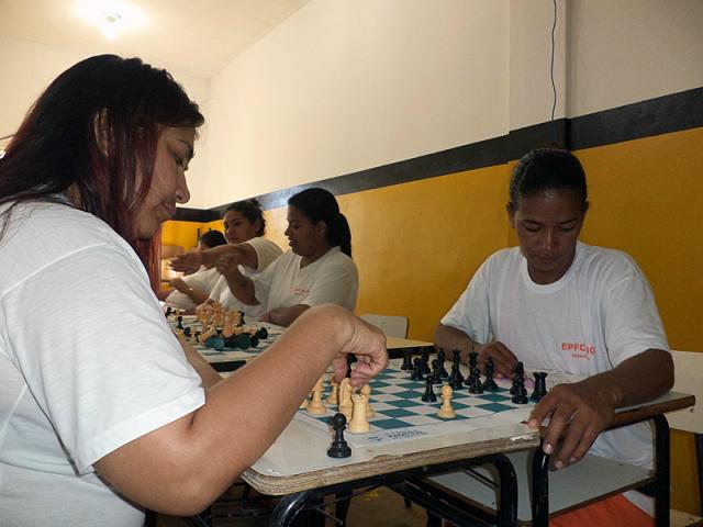 Xadrez estimulam disciplina de custodiadas em presídio feminino. - Crédito: Foto: Divulgação/AGEPEN