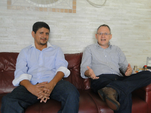 Presidente municipal do PSDB, Admilson Fotógrafo, e o prefeito Eder Uilson França Lima - Crédito: Foto: Flávio Verão