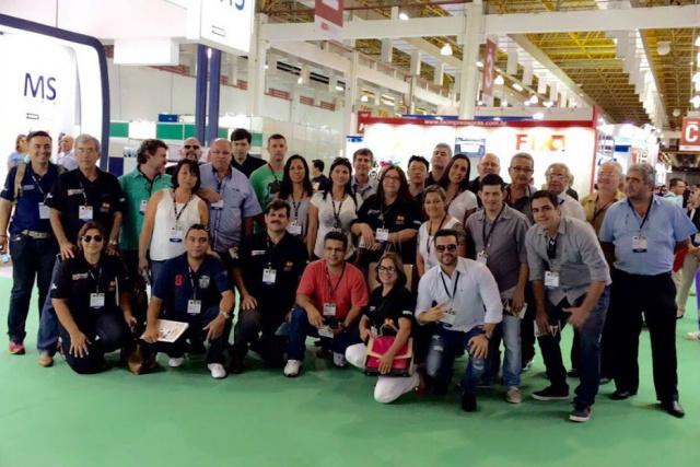 Grupo formado por 38 empresários conheceram as novidades da indústria gráfica em São Paulo. - Crédito: Foto: Divulgação