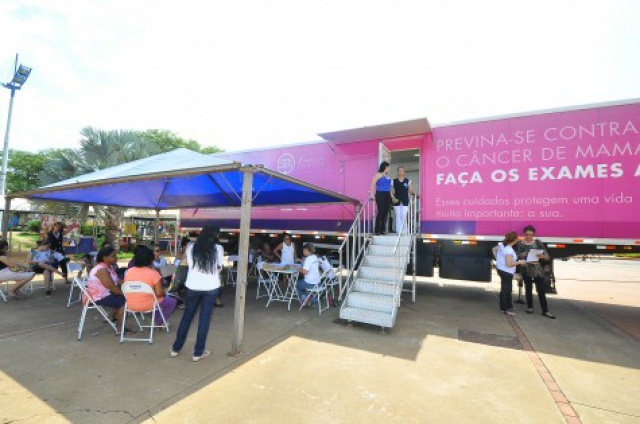 Carreta do Hospital do Câncer de Barretos chegou a Dourados. - Crédito: Foto: A.Frota