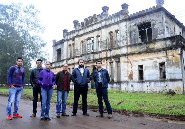 Equipe da Fundação de Cultura de Mato Grosso do Sul em recente visita ao Castelinho. - Crédito: Foto: Arquivo