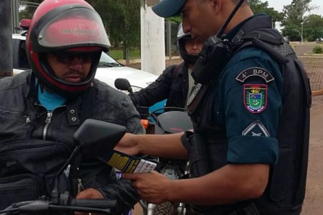 Motociclistas terão que se adequar a lei de trânsito na fronteira, a fiscalização agora será rigorosa. - Crédito: Foto: Arquivo
