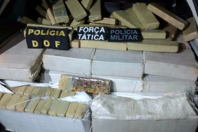 427 tabletes de maconha totalizaram 355 quilos da droga. - Crédito: Foto: Divulgação
