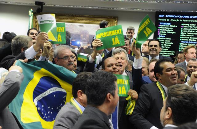Deputado Geraldo Resende comemorou, na Câmara Federal, resultado favorável ao impeachment da presidente Dilma Rousseff. - Crédito: Foto: Luis Macedo/Câmara dos Deputados