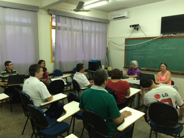 Professora Suzana Arakaki durante encontro com os alunos. - Crédito: Foto: Nivalcir Almeida
