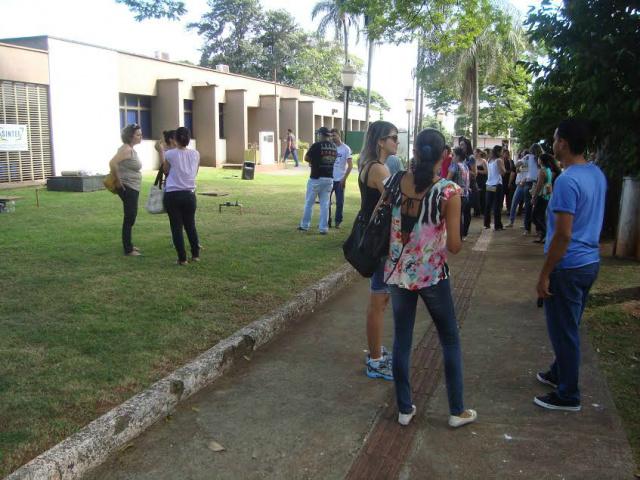 Mobilização reune técnicos na unidade I da UFGD em Dourados. - Crédito: Foto: Cido Costa