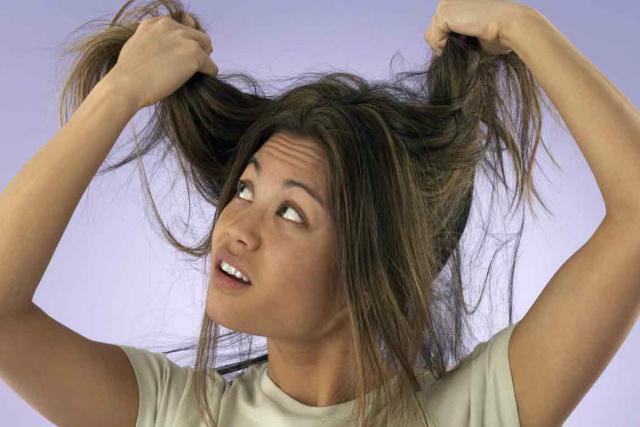 Hidratação é a melhor maneira de cuidar de cabelos ressecados. - Crédito: Foto: Divulgação