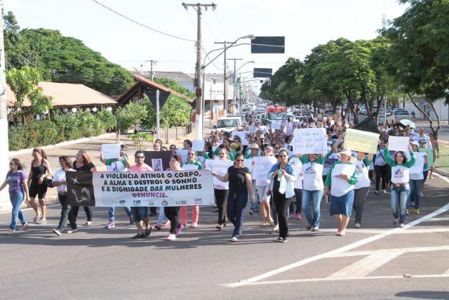 O protesto seguiu a Av. Antônio Joaquim de Moura Andrade. - Crédito: Foto: Thiago Odeque