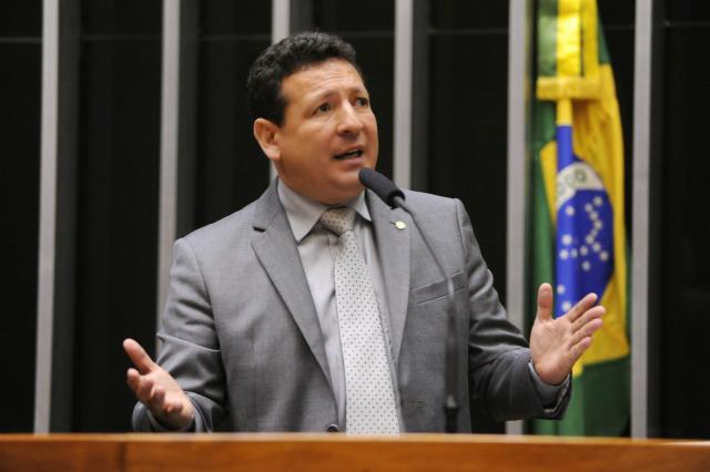 Campeão em número de ações penais é o deputado Roberto Góes - Crédito: Foto: Divulgação