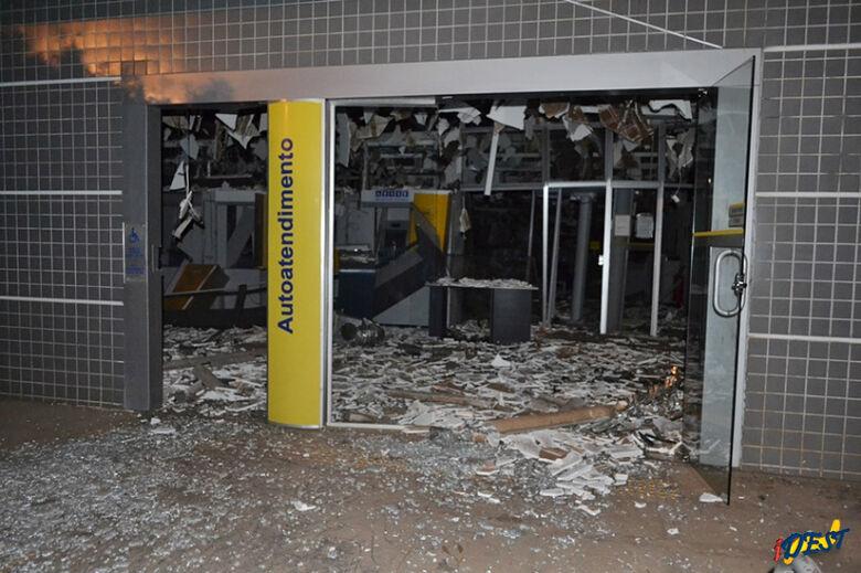Bandidos estavam fortemente armados Fotos: Eder Pereira/Idest -