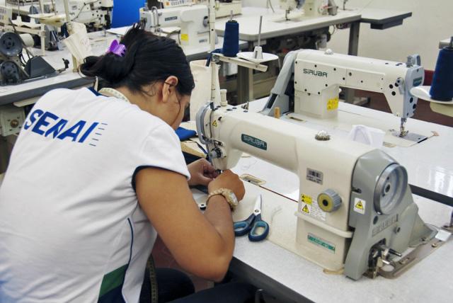 Curso de costura industrial. - Crédito: Foto: Divulgação