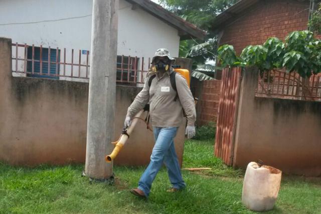 Profissional ativo na ação do município de Jateí. - Crédito: Foto: Divulgação