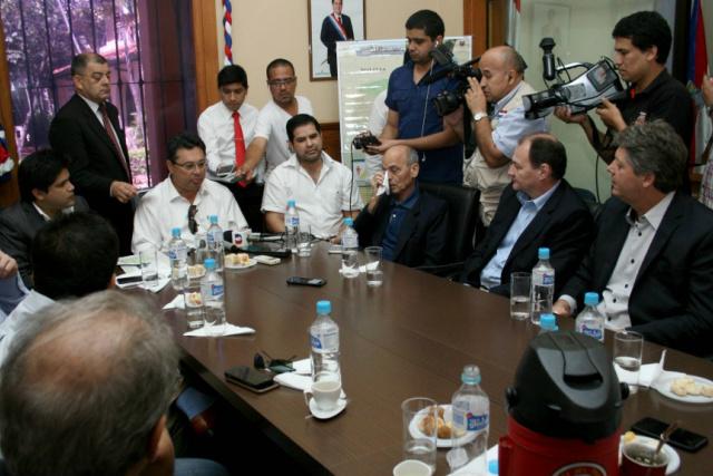 Reunião com as autoridades paraguaias foi realizada na sexta-feira em Concepción. - Crédito: Foto:  Ministerio de Industria y Comercio do Paraguai