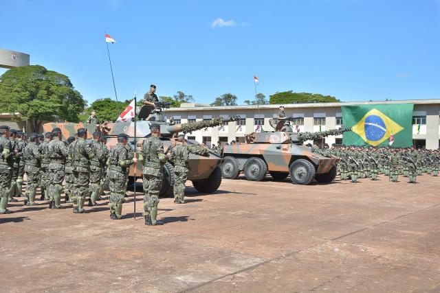 A troca de comando, realizada pelo general de Exército Paulo Humberto César de Oliveira, do Comando Militar do Oeste - Crédito: Foto: Marcos Ribeiro