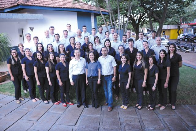 Grande e eficiente equipe da excelente Imobiliária Continental que há 47 anos presta serviços em Dourados -