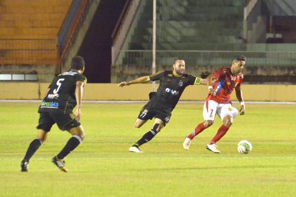 Com o resultado, a equipe douradense vai disputar a final do Campeonato Estadual contra o Comercial de Campo Grande. Foto Marcos Ribeiro -