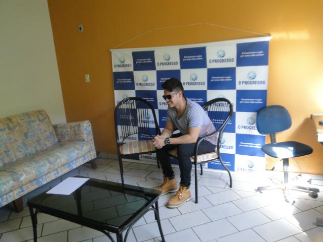 Cantor douradense faz sucesso com público jovem no Estado. - Crédito: Foto: Carlos Augusto