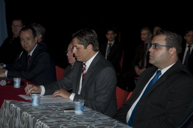 Presidente da 4ª subseção da OAB e demais advogados de Dourados. - Crédito: Foto: Hédio Fazan