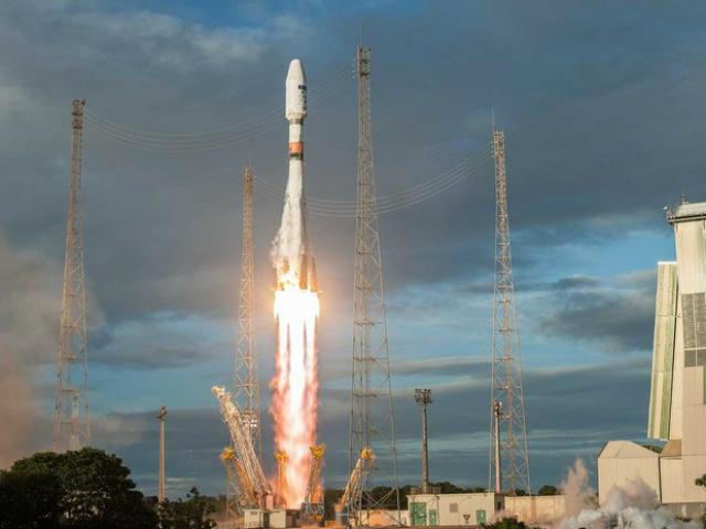 Foguete Soyuz partiu do centro espacial de Kurdo, na Guiana Francesa - Crédito: Foto: S. Martin / CNES ArianeSpace ESA / via AFP Photo