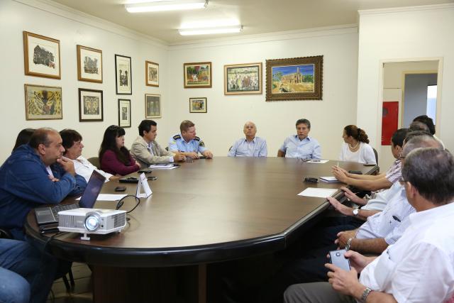 Murilo reuniu secretários e comitê local da Tocha Olímpica. - Crédito: Foto: A. Frota/Assecom