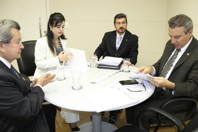Ontem os membros da CPI leram as atas de duas sessões secretas, que ocorreram no decorrer dos trabalhos. - Crédito: Foto: Divulgação