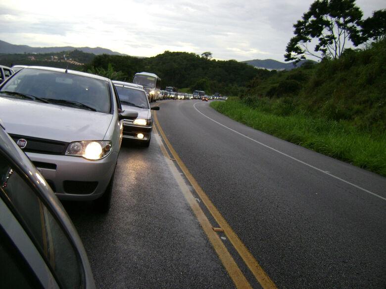 Uso de farol será obrigatório durante o dia em estradas Foto: Divulgação -
