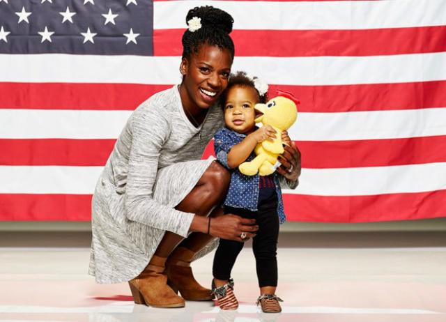 Estudo da Universidade de Washington descobriu relação entre crescimento do cérebro e afeto de mãe. Na foto, a atleta americana Alysia Montano com sua filha, Linnea Dori - Crédito: Foto: Mitchell Haaseth/NBC/USOC/AP