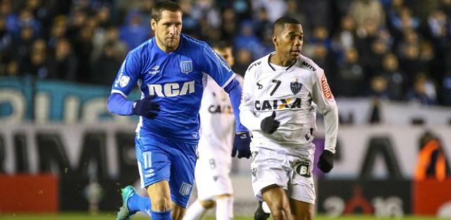 Robinho foi bastante acionando no empate sem gols do Atlético-MG com o Racing, pela Libertadores. - Crédito: Foto: Uol Esporte