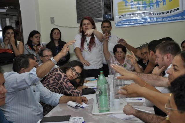Reunião em setembro do ano passado denunciou a morte de 40 bebês na maternidade no HU de Dourados. - Crédito: Foto: Hedio Fazan/Arquivo